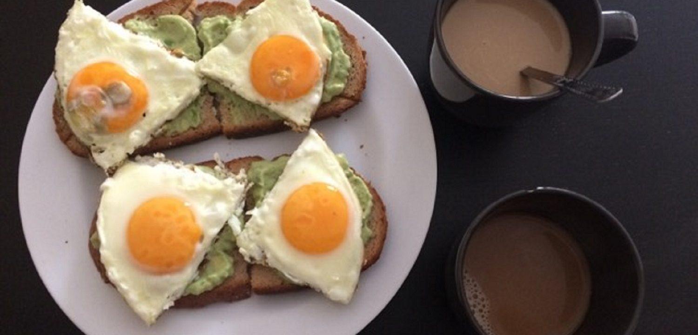 Egészséges étrend: Avokádós szendvicskrém tükörtojással