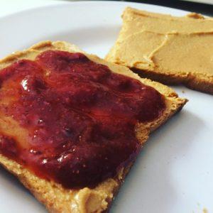 mogyoróvajas szendvics
